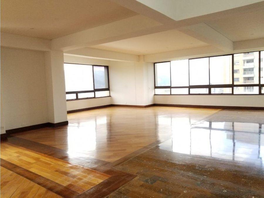3875 sq ft apt near club campestre el poblado