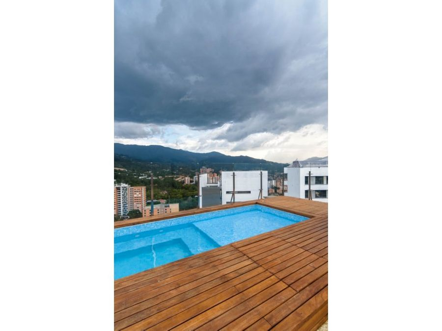 luxurious penthouse wjacuzzi in el poblado