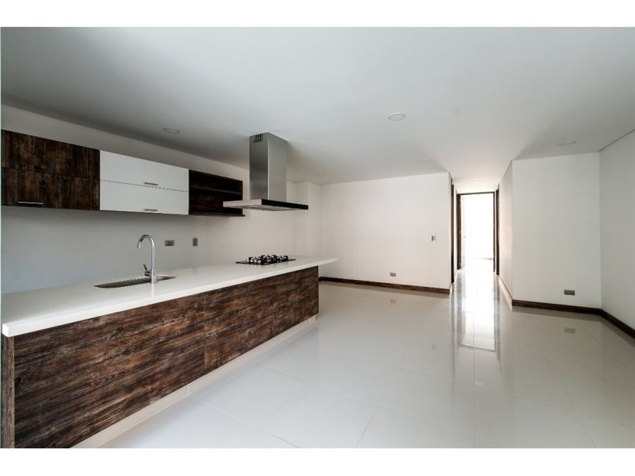 brand new 3 bed unit in conquistadores laureles area