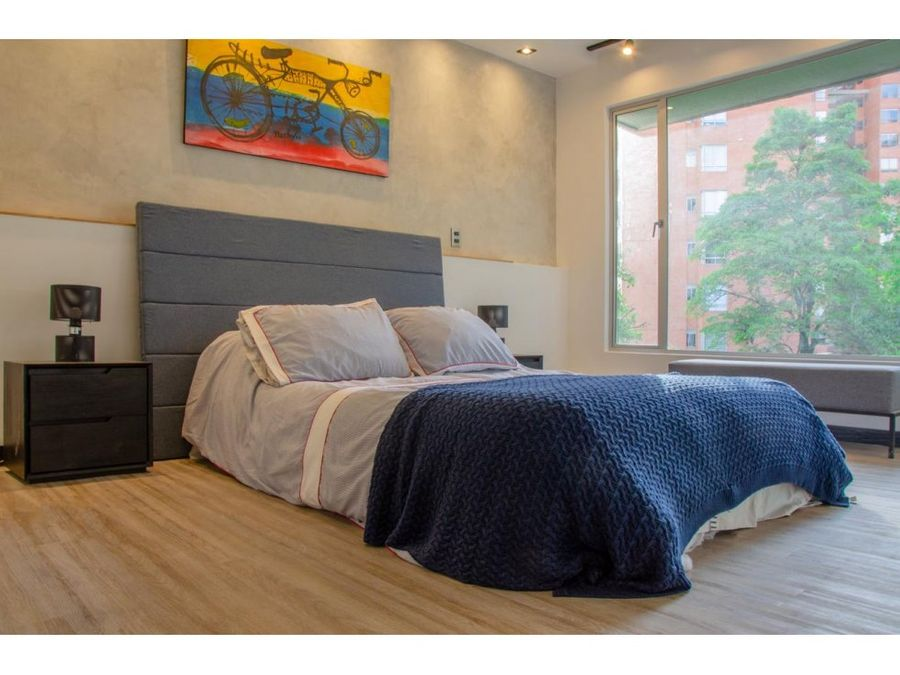 amazing remodeled apt close to golden mile