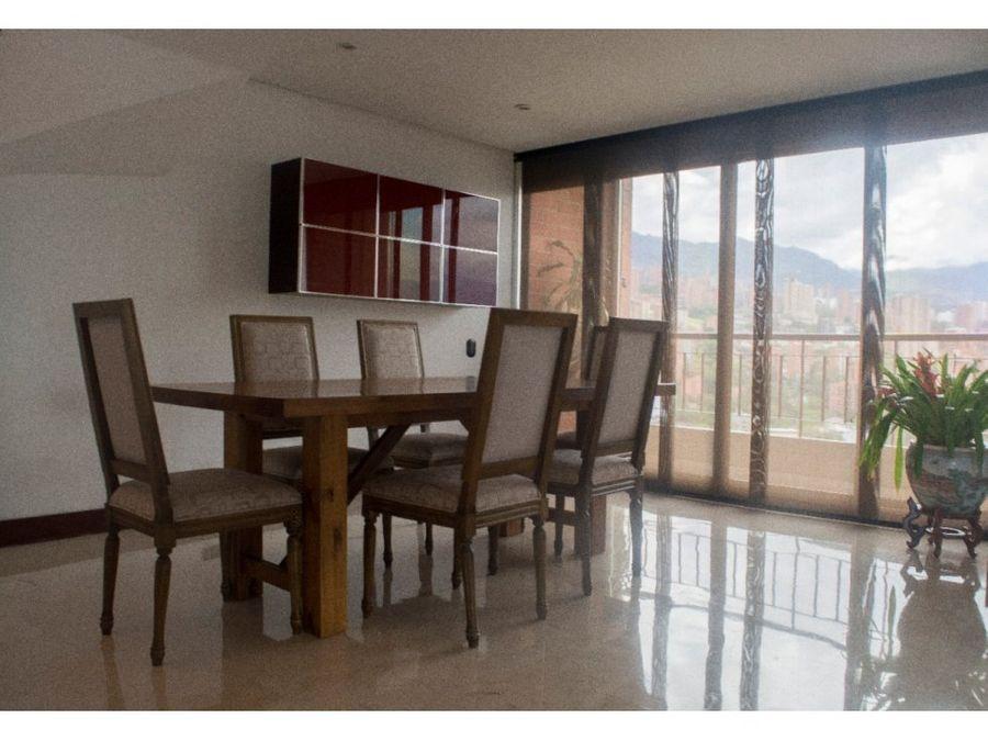 spacious classic penthouse in el poblado