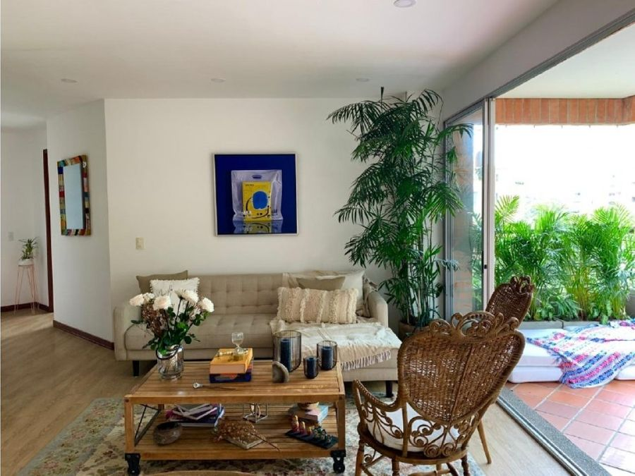 cozy apt close to malls in el poblado