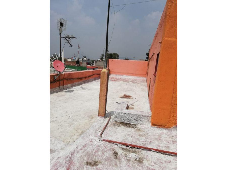 edificio a una calle de calzada guadalupe