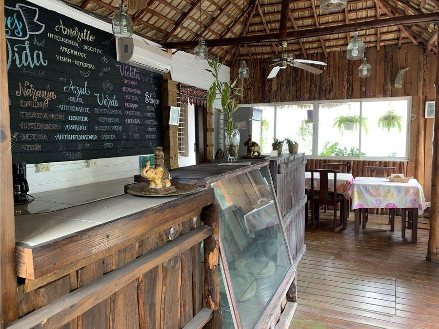 local para restaurant proximo al dominican fiesta