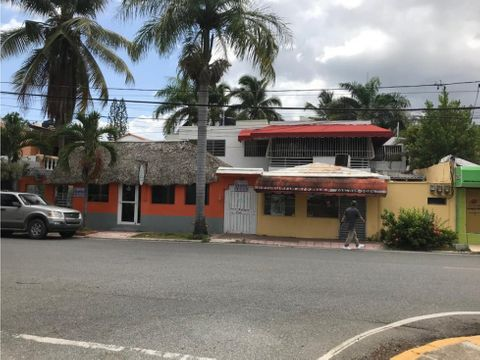 local para restaurant proximo al dominican fiesta