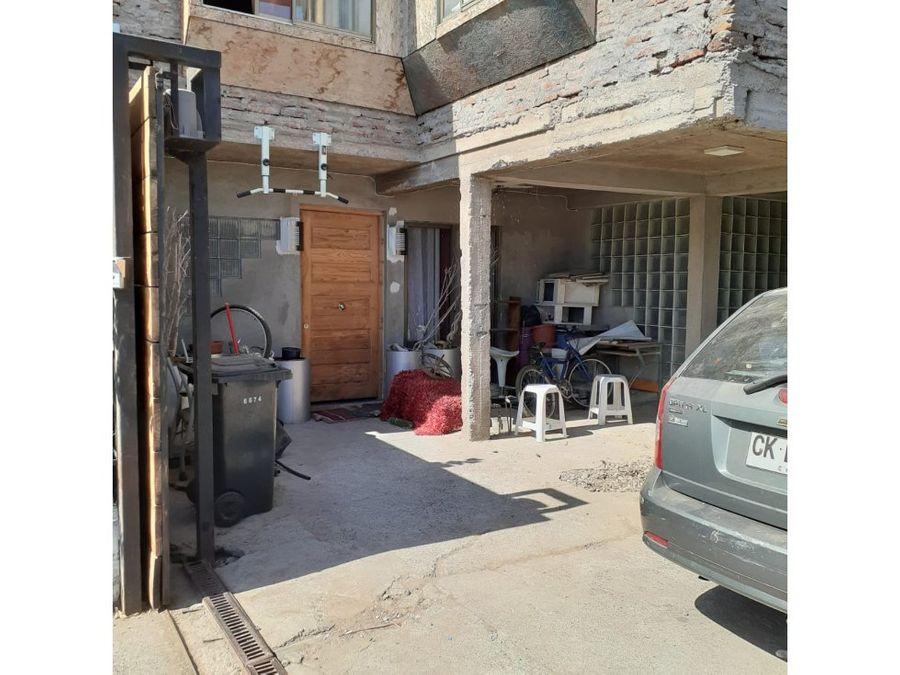 se vende amplia propiedad de tres pisos en pudahuel