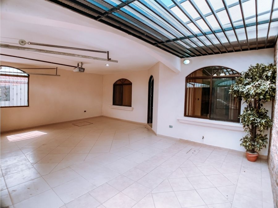 hermosa casa economica en liberia guanacaste