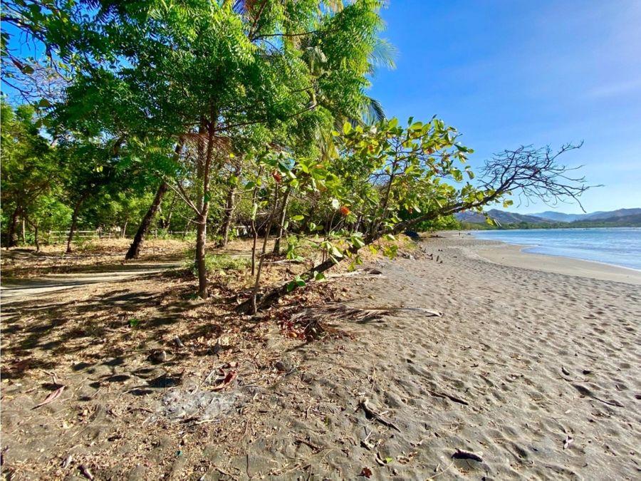 propiedad frente al mar en playa del coco guanacaste