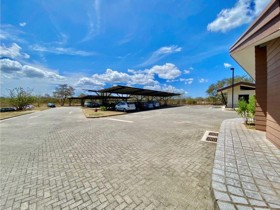 plaza futura liberia frente al aeropuerto