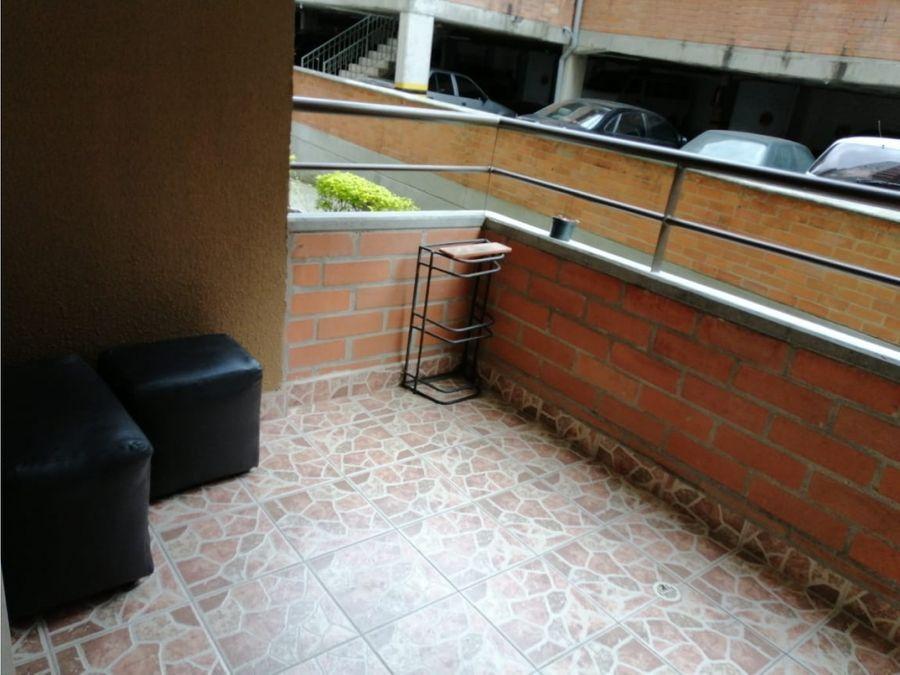 apartamento en rodeo alto con balcon muy amplio