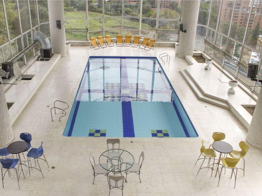 apartamento en venta en el poblado piscina privada