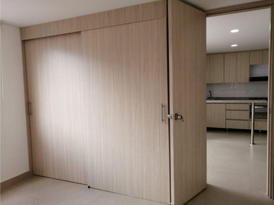 venta de hermoso y comodo apartamento en sabaneta