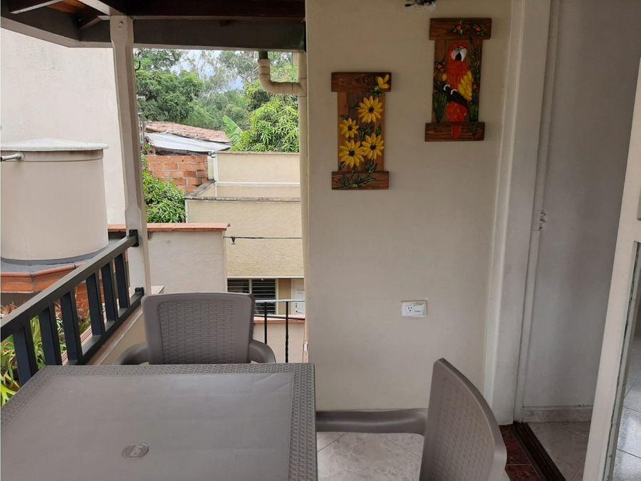 casa esquinera venta en bello barrio santa ana