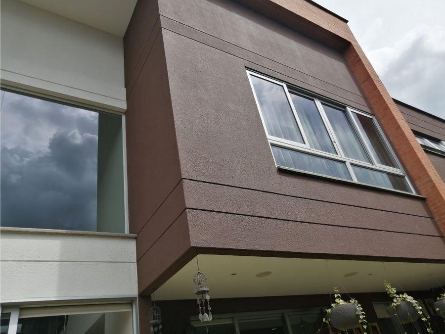 venta casa en conjunto loma del escobero envigado