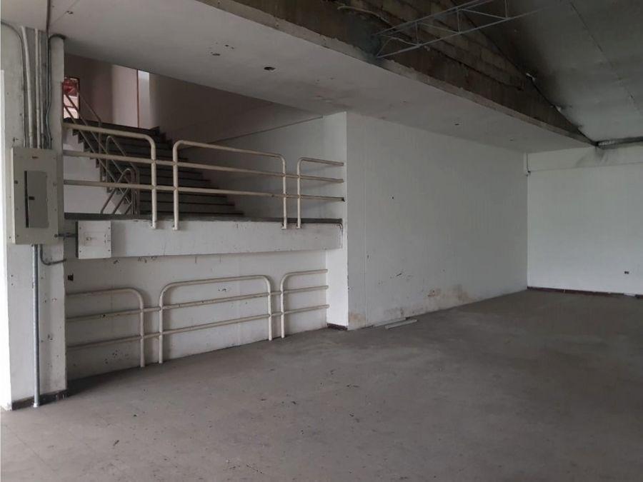 bodega en venta medellin el chagualo tres pisos