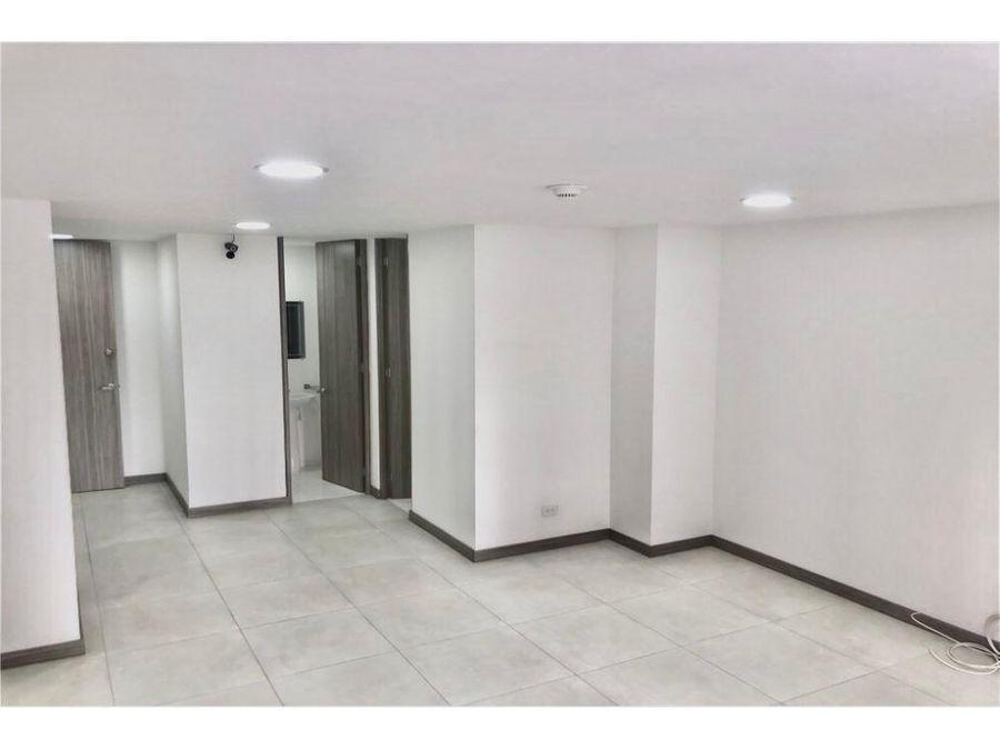 oficina consultorio apartaestudio venta laureles