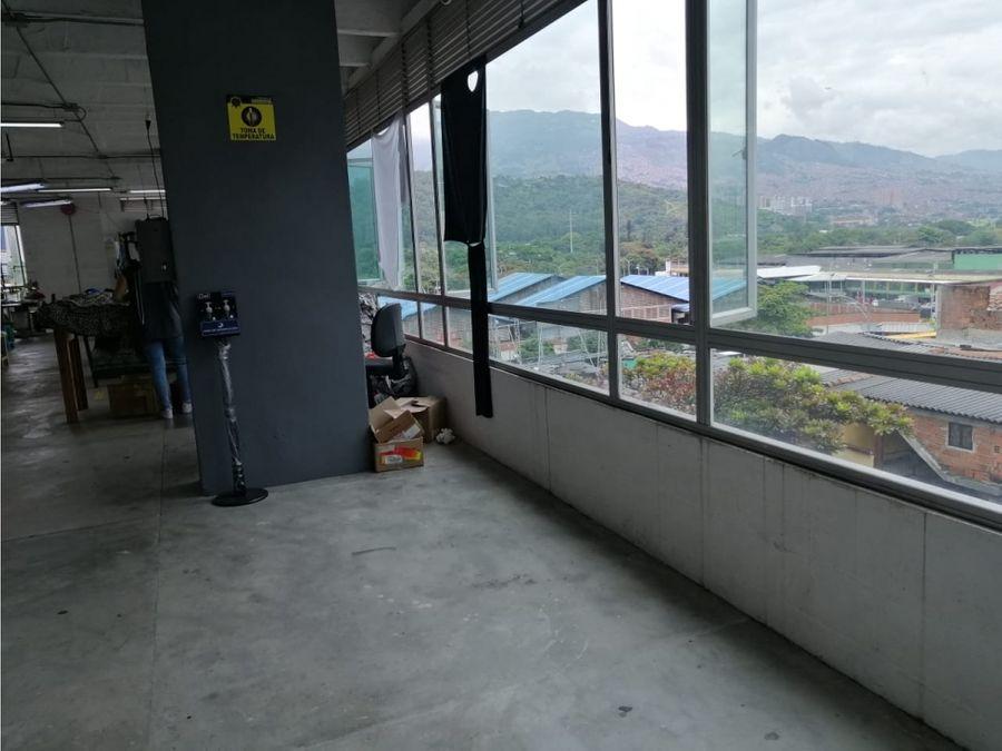edificio de bodegas en el centro de medellin sector san benito