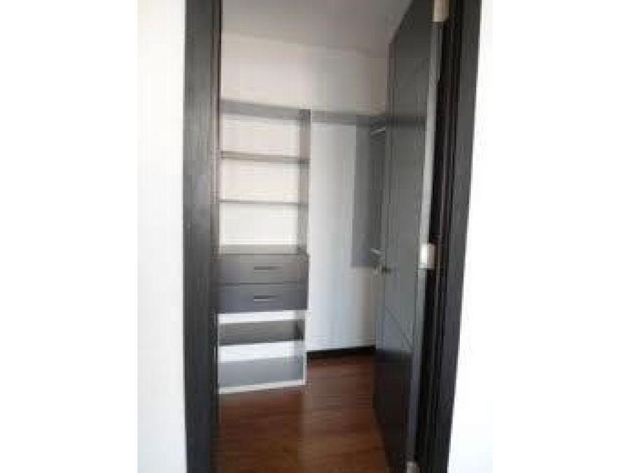 apartamento de 2 habitaciones en torre 14 zona 14