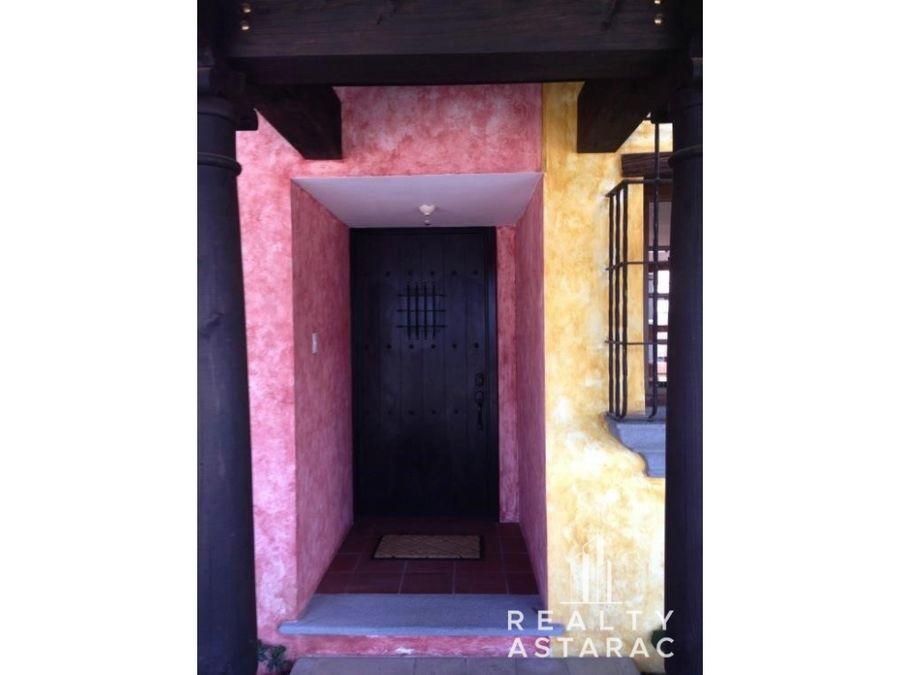 casa en residenciales el monasterio antigua guatemala