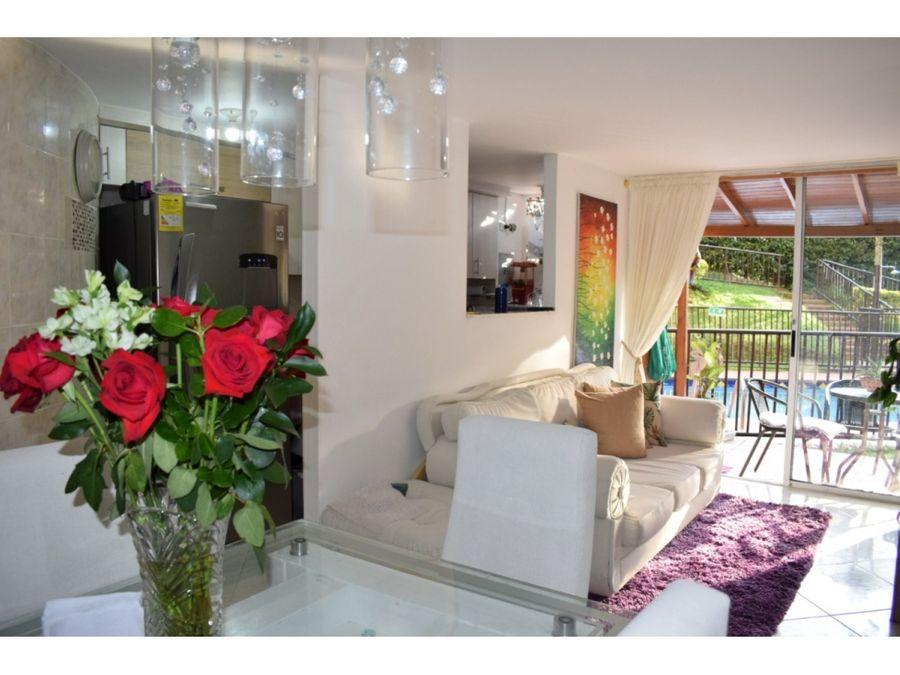 venta de apartamento remodelado alto de las flores envigado