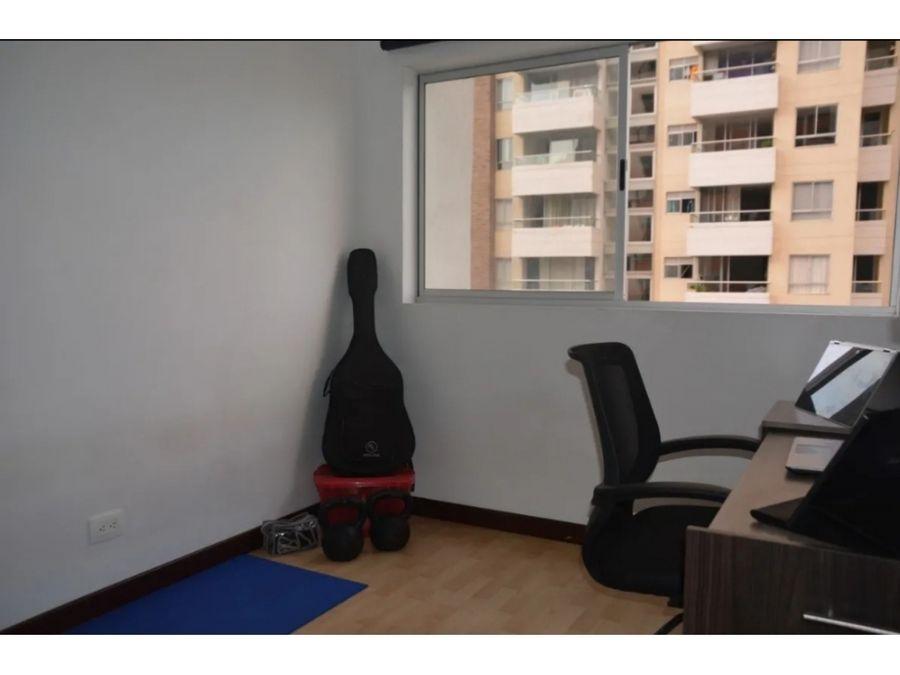 venta de apartamento en loma linda sabaneta