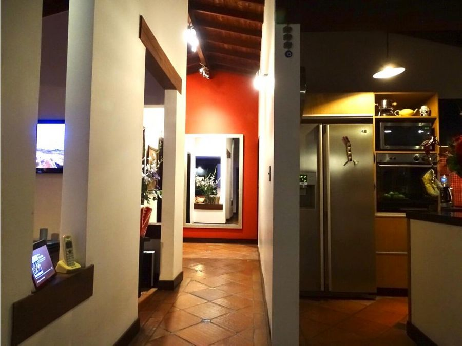 venta de apartamento remodelado en la frontera poblado medellin