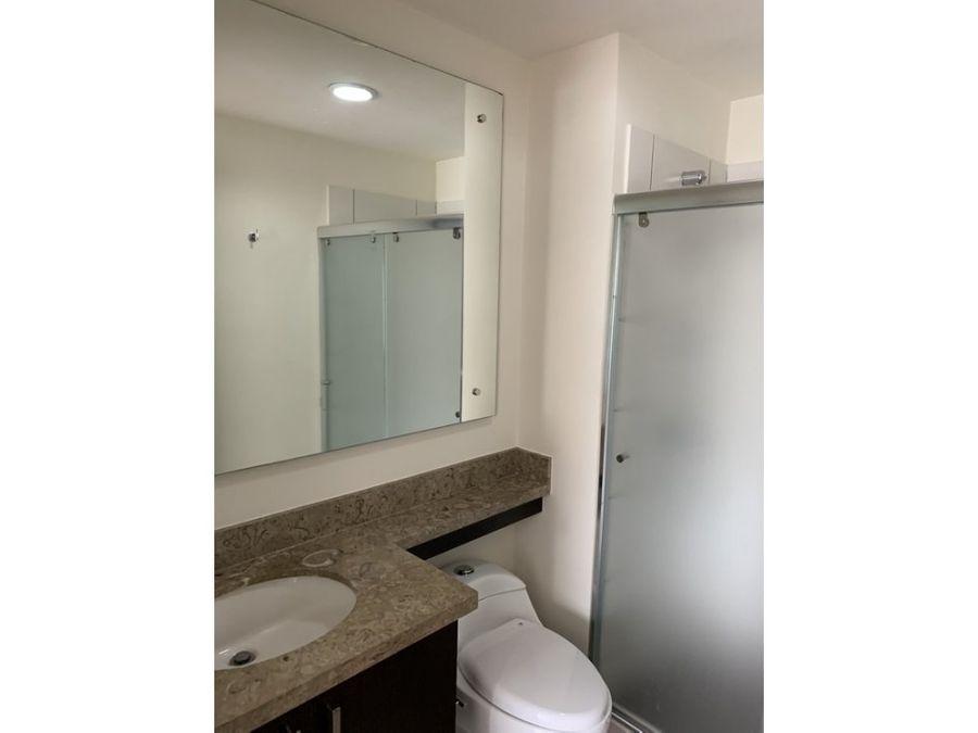 amplio apartamento de 2 dormitorios en la sabana