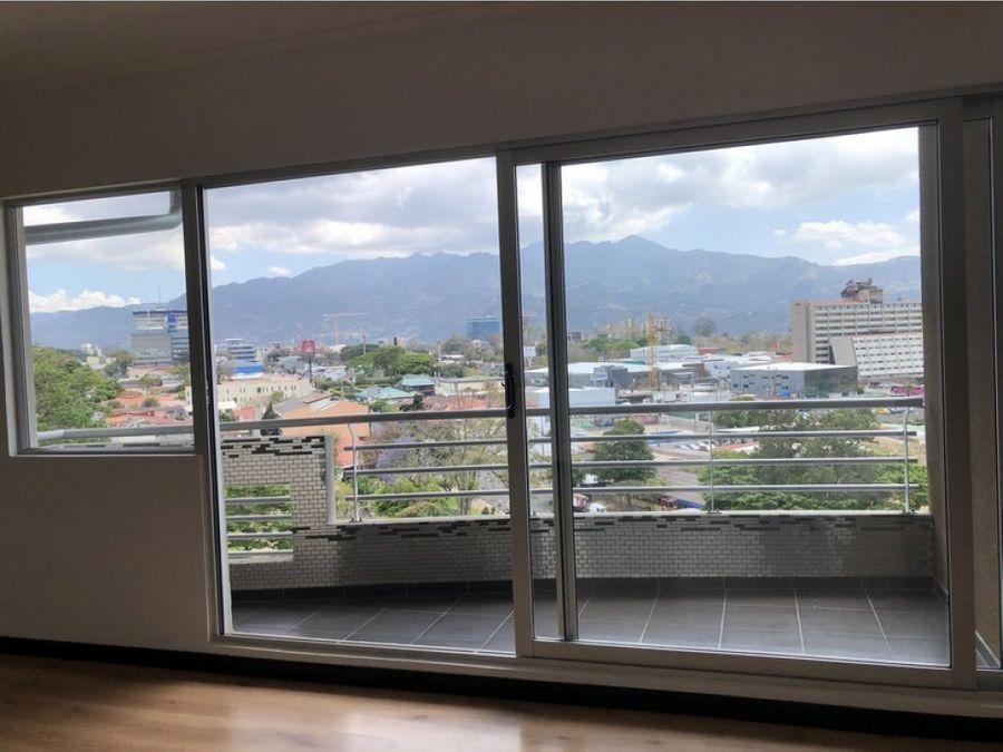 amplio penthouse en la sabana 3 dormitorios