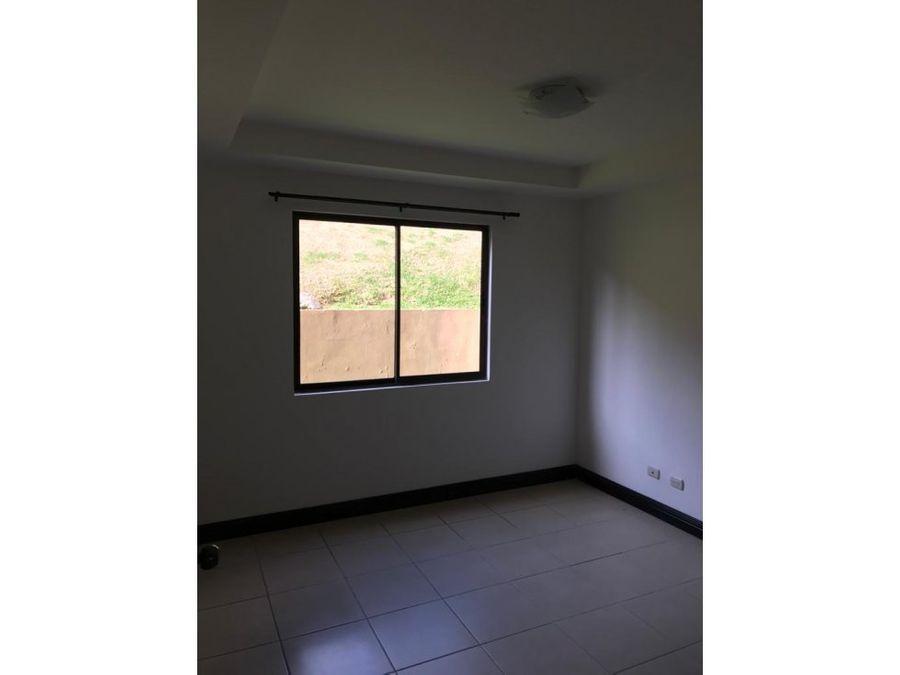 alquiler de apartamento de 3 habitaciones tres rios la union