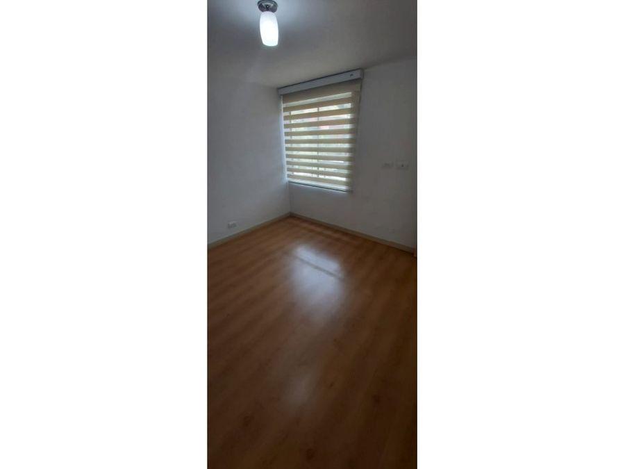 venta de apartamento en medellin loma de los bernal aviva