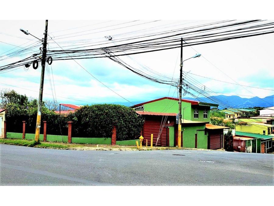 venta de casa esquinera con uso de suelo mixto en moravia