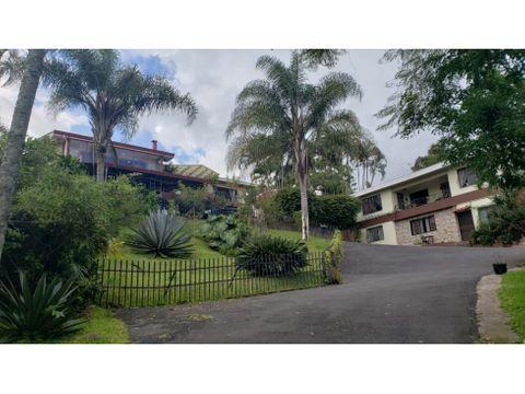 venta de casa y dos apartamentos con hermosas vistas