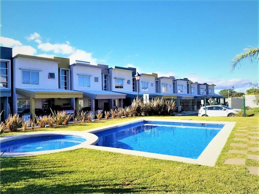 venta de hermosa y confortable casa en condominio alexa