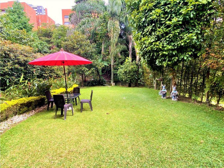 casa con amplio jardin benedictinos envigado