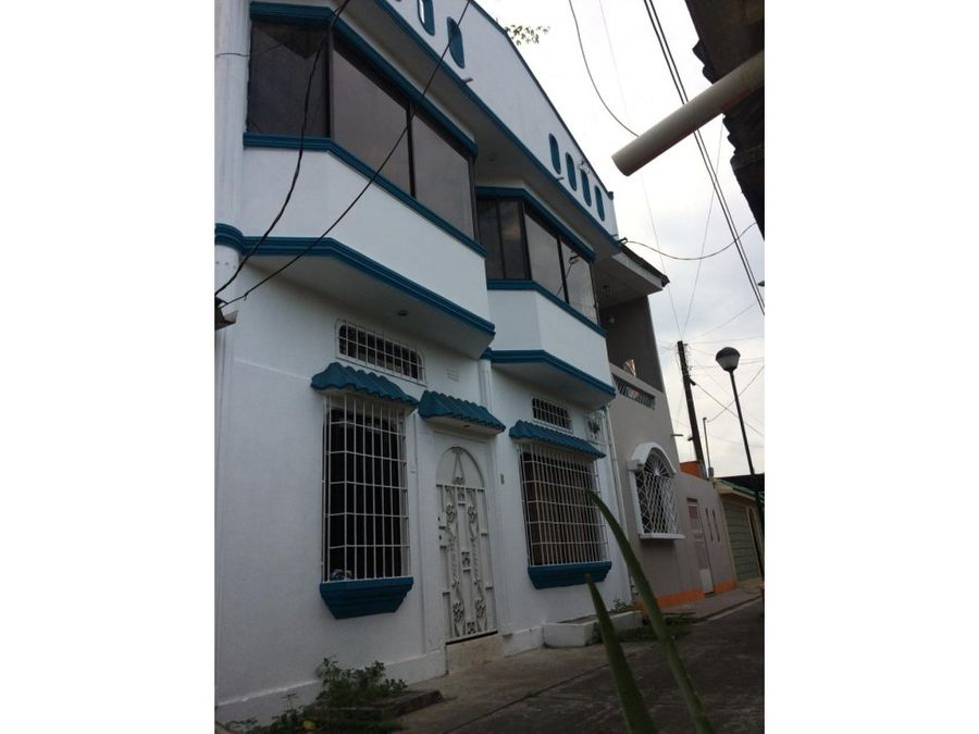 casa de tres plantas cdla guangala sur de gye