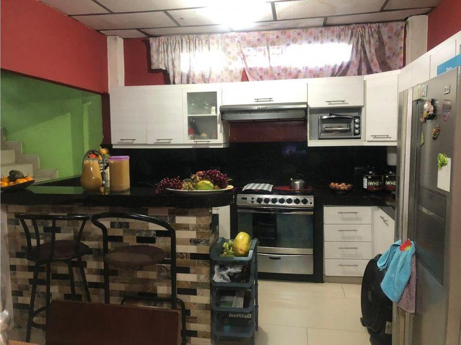 venta suburbio calle 29 amazonas y galapagos sur