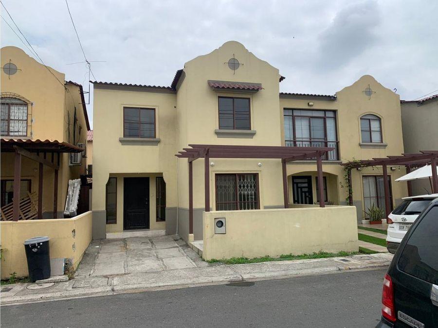 venta de casa urb la rioja etapa almeria via a la aurora