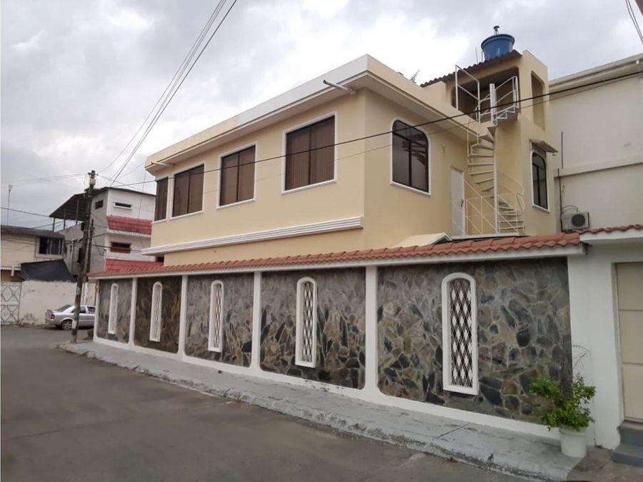 se vende casa esquinera cdla guayacanes calle vehicular