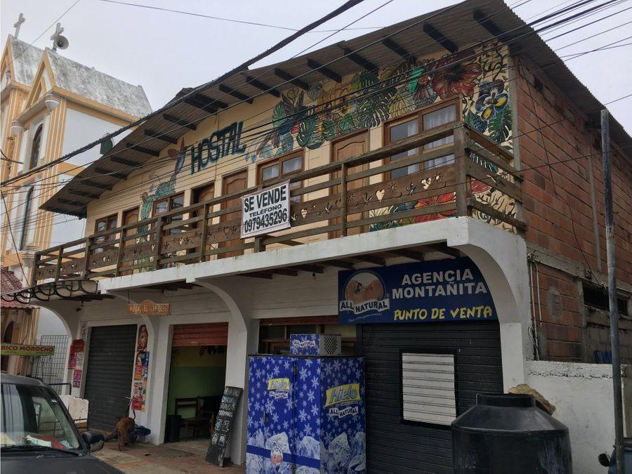 se vende hostal en el centro de montanita frente al parque