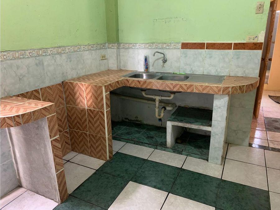 casa rentera en venta cdla martha de roldos norte de guayaquil
