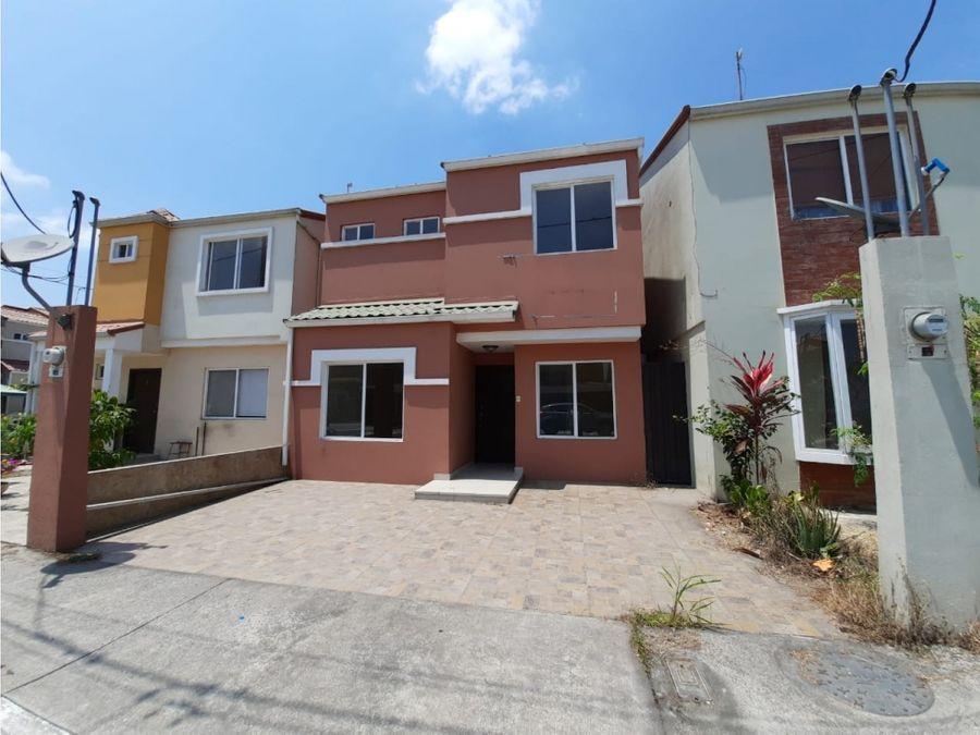 venta de casa en urb la perla etapa 1 norte de guayaquil