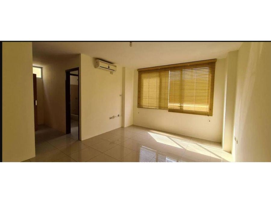 ca 033 venta de casa en urbanizacion castilla