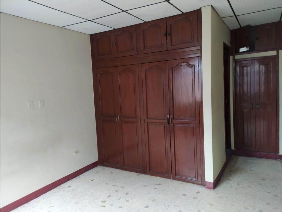 alquila amplio departamento cdla sagrada familia sector kennedy nueva