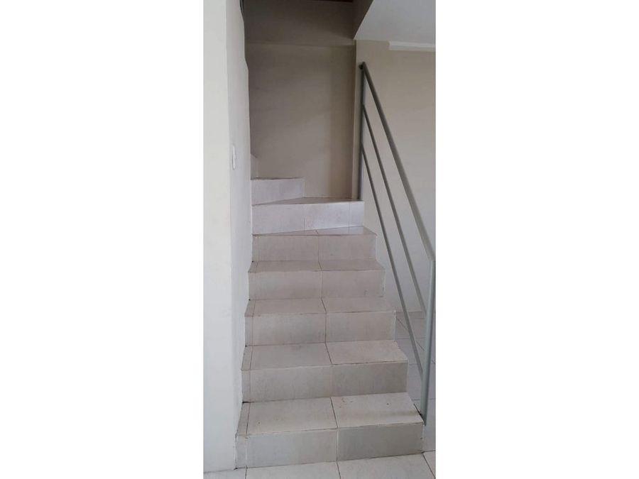 en venta casa 2 pisos cerca de garita urb andalucia