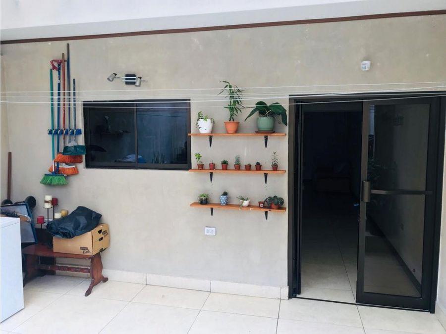 hermosa casa en condominio seguro