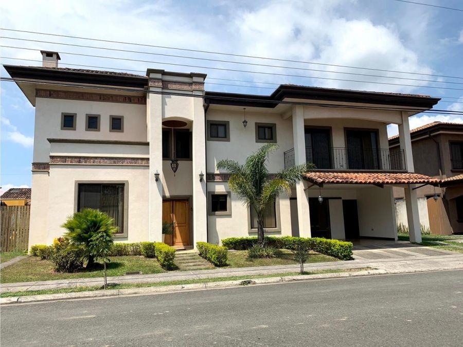 alquiler de casa en condominio en cartago