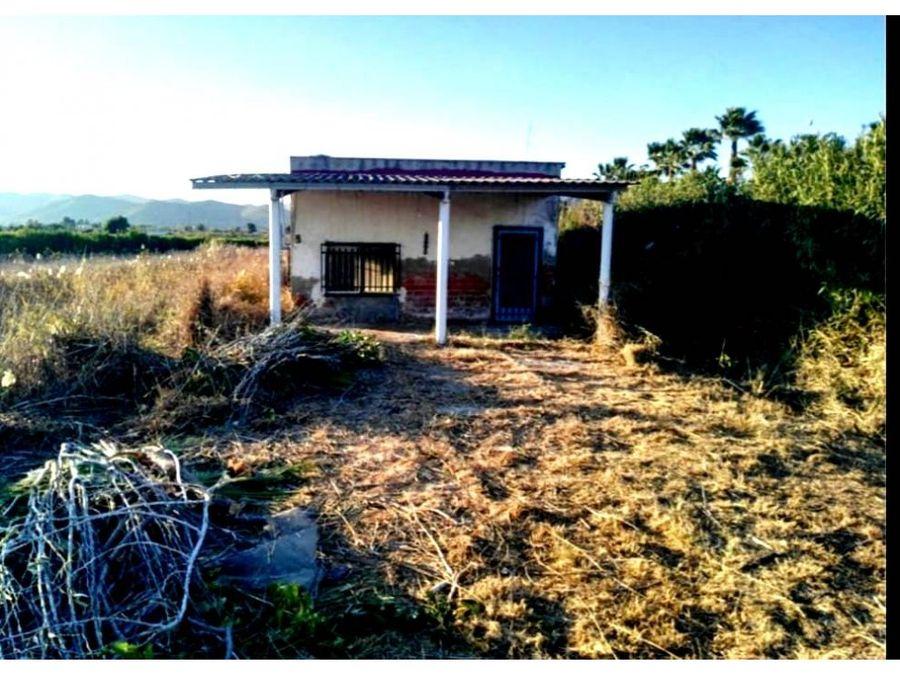 casa con parcela rustica cerca del mar 700m