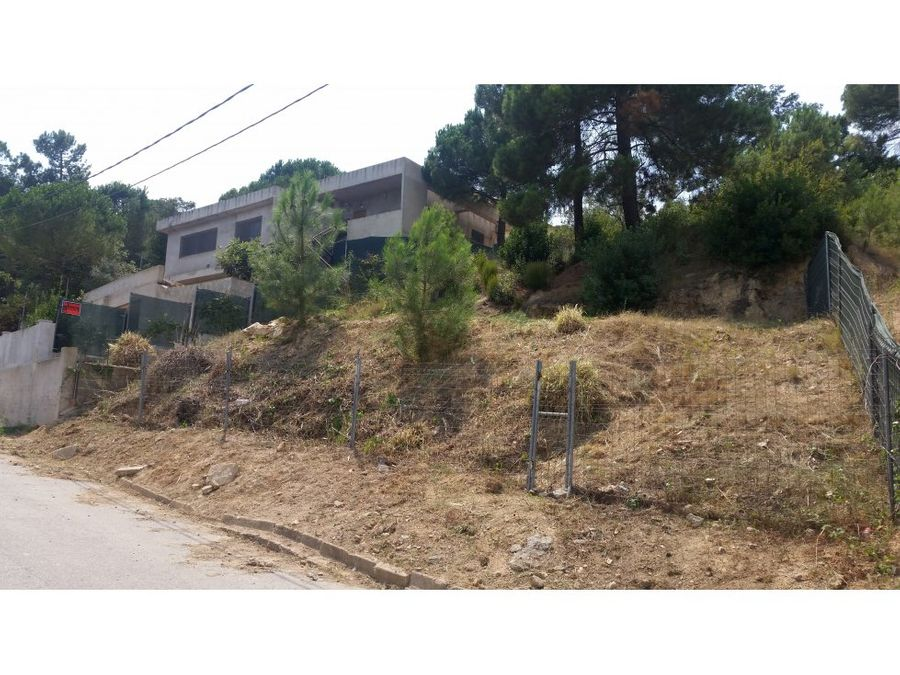 oportunidad terreno en montbarbat