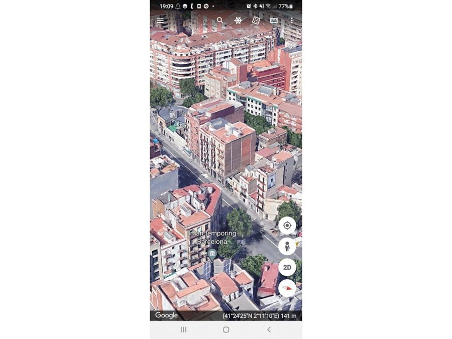 barcelona capital dos locales comerciales con rentabilidad