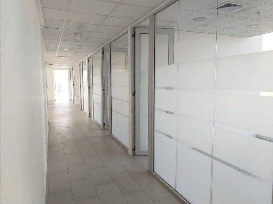 oficina arriendo 300 mt2 a pasos de parque arauco